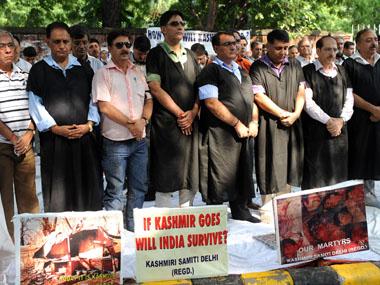 Kashmiri Hindus protesting